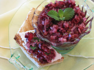 crostini-sweet-cherry-relish-goat-cheese