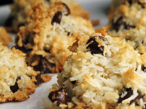 chocolate-chunk-macaroons