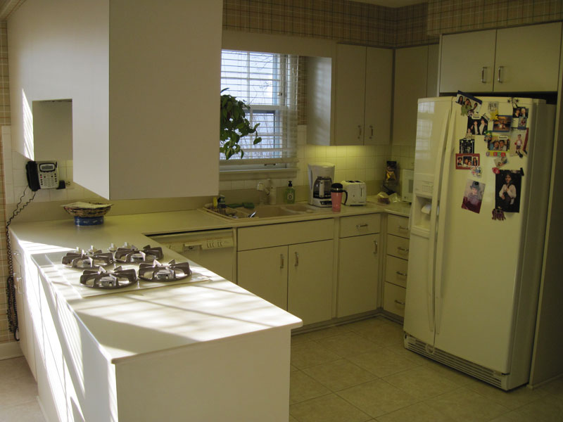 Transitional U-shape kitchen Wilmette, IL Before