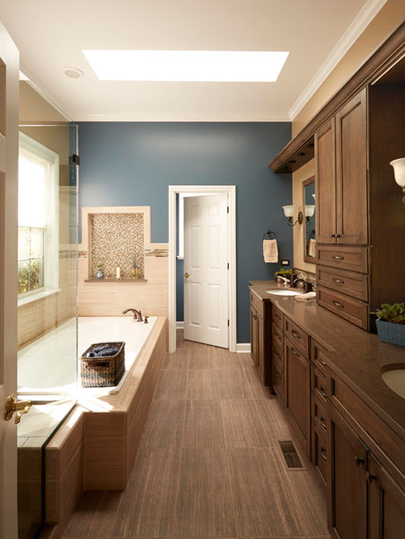 Rustic bathroom design with tub and shower in Riverwoods, IL
