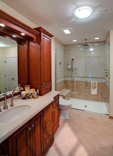 Bathroom design with traditional vanity and tiled shower, Wilmette, IL