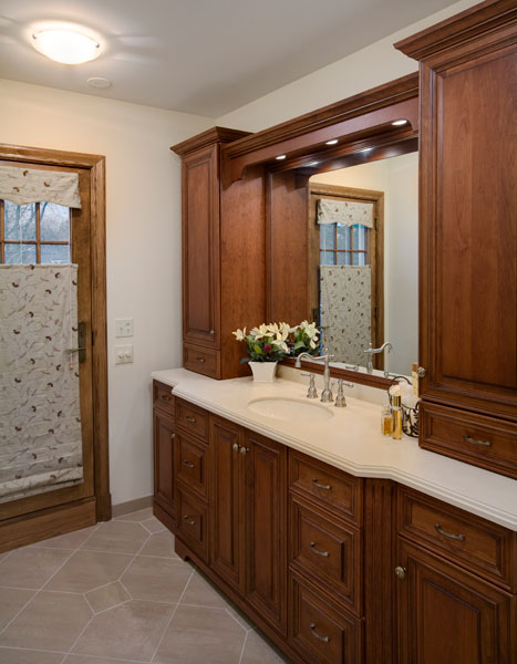 Traditional bathroom vanity, Wilmette, IL