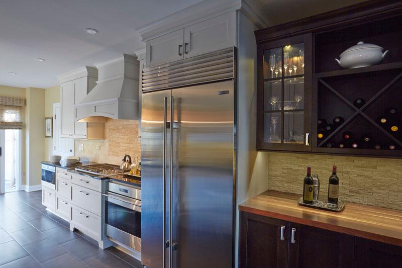 White and dark kitchen cabinets, Highland Park, IL