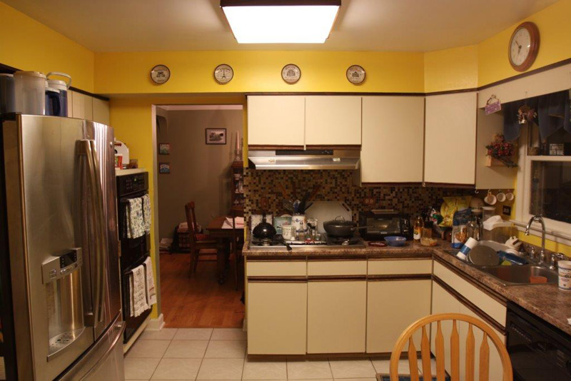 6-Traditional-Kitchen-in-Deerfield-with-Painted-Linen-Color-Cabinets-BEFORE