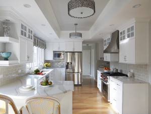 (8 Photos) Bright And Cheery Kitchen In Lake Bluff, IL